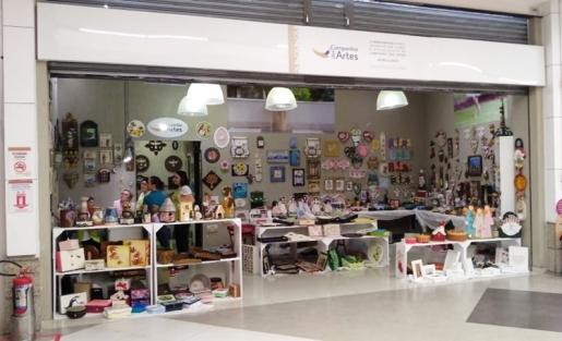 Companhia das Artes abre loja Pop Up no corredor dos cinemas