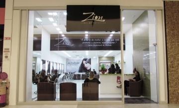 Conheça a Zion Cabelo e Estética, localizada em nosso corredor dos cinemas.